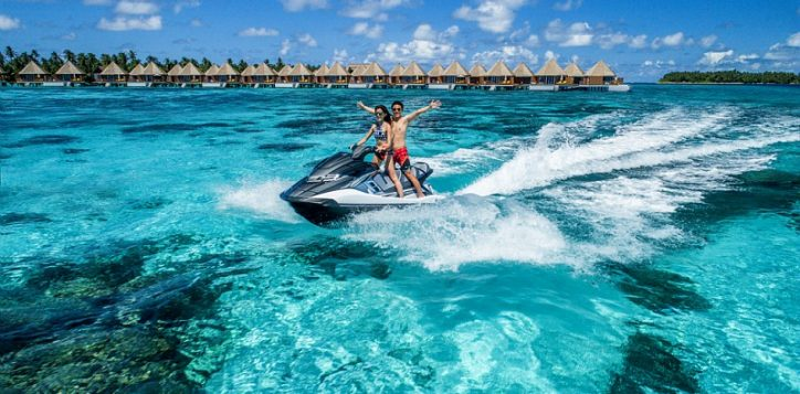 41_jet-ski-by-the-reef-2